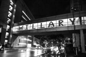 hillary_bw_sinage
